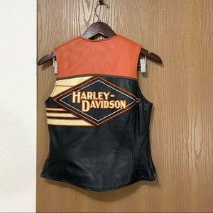 Harley Davidson Leather Vest Spell out Riding Moto